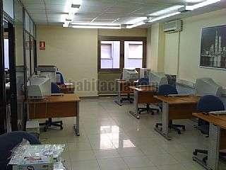 Academia en Mollet del Vall�s, Zona centro. Local en perfecte estat per oficina Carrer anselm clav�,2
