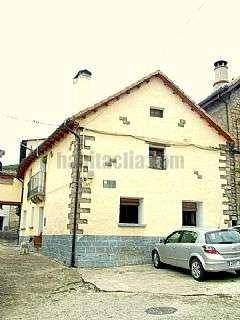 Casa en Puente la Reina de Jaca. Emb�n, calle damas,1
