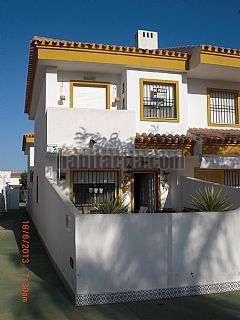 D�plex  con piscina en Pilar de la Horadada. Precioso duplex en la playa con piscina y parking Calle rio seco,