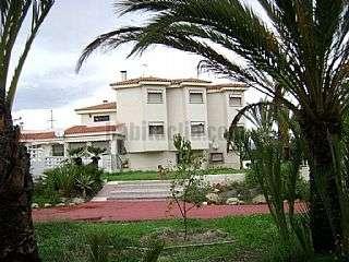 Casa  segunda mano en Alicante. Magnifico chalet Club de campo,