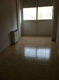 Piso en Madrid. Se vende vivienda en oporto con ascensor Castro de oro,34