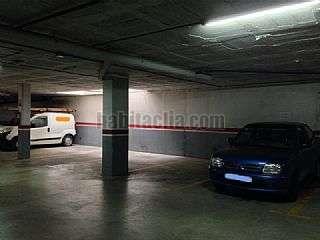 Alquiler Parking coche en Terrassa, Sant Pere Nord. Plaza excepcional, muy f�cil aparcar Carrer girona,281