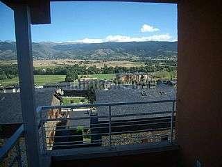 Alquiler Piso en Puigcerd�. Piso centrico, magnificas vistas y garage privado Avinguda catalunya,11