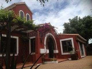 Alquiler Casa en Estepona. Chalet, parcela junto al mar, sin vecinos, linda Calle casas del padron, 27