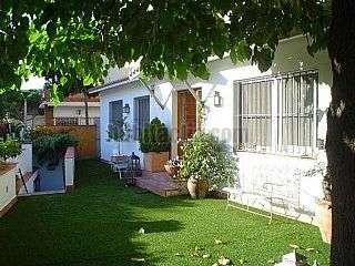 Casa  con jard�n en Badalona, Canyet. Preciosa casa en 1 planta con gran jard�n y vistas Carrer tamariu,7