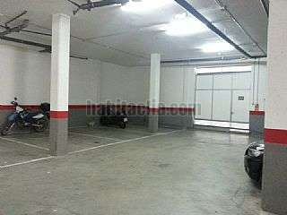 Parking coche en Rub�, Avda. Estatut. Entrada por eduard fontser� Carrer via lactia,14