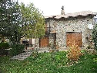 Casa en Arguis. Precioso chalet de piedra natural con gran jard�n Camino de la ermita,14