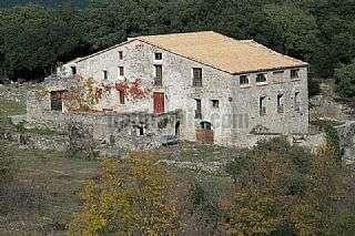Finca r�stica en Montagut i Oix. Masia la sala - 250 hect�rees Monta�a de santa b�rbara, s/n