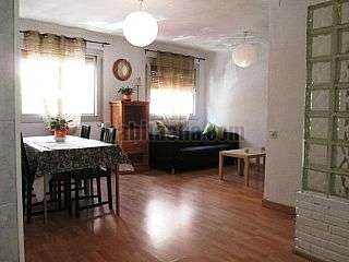 Alquiler Piso en Badalona, Llefi�. Bonito piso soleado y exterior de 2 hab dobles Carrer sagrada familia,58