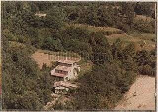 Finca r�stica en Vall d�en Bas (La). Tres cases + 28 ha de terreny. Carretera de santa coloma,