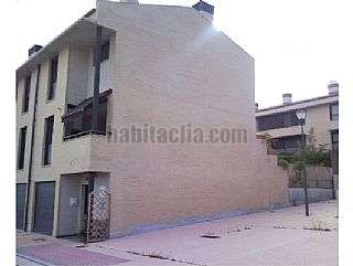 Casa adosada en Viana. Bonito adosado esquina San frco. javier, 187
