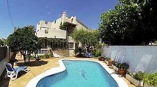 Casa en Cunit, Plademar. Casa individual con piscina en zona tranquila. Carrer onofre llopis, 3